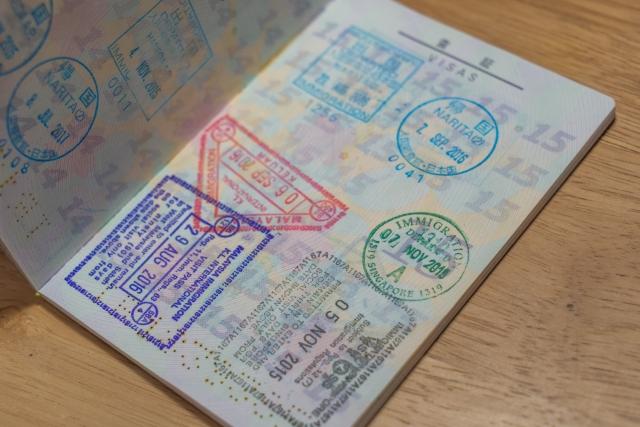 海外出張の入国審査は観光の時とはちょっと違う