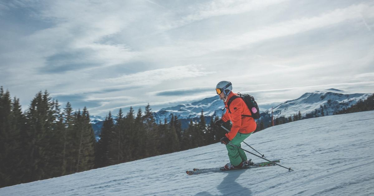 スキーの基本はプルークボーゲン